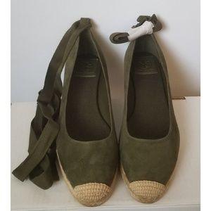 9162b0809 Tory Burch Shoes - NIB TORY BURCH Suede Espadrille - Army Green 7.5